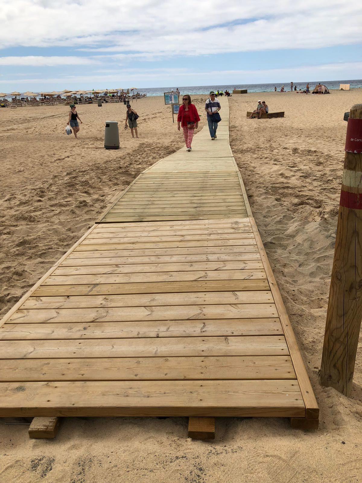 Pájara mejora las playas de Morro Jable y del Matorral con nuevas pasarelas