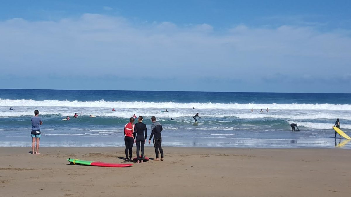El Ayuntamiento de Pájara firma el acto de inicio de la actividad de las Escuelas de Surf