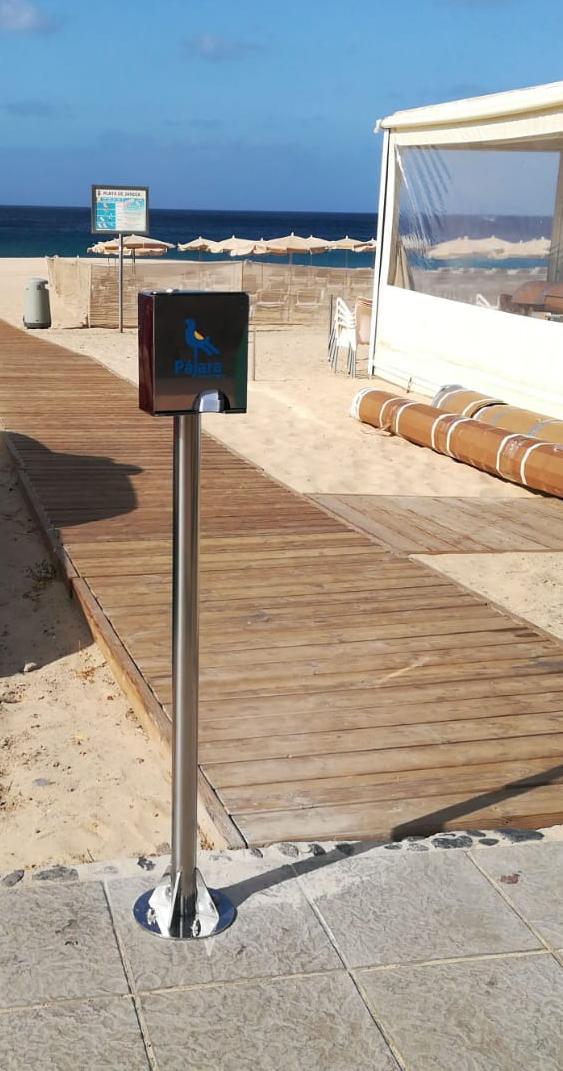El Ayuntamiento de Pájara instala dispensadores de ceniceros de cartón en las playas del Municipio de Pájara