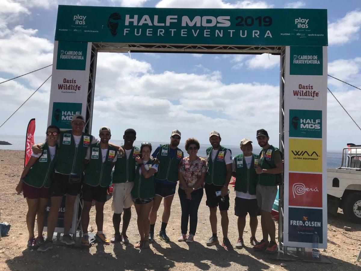Pájara apoya a los atletas del municipio en la 'Half Marathon des Sables'