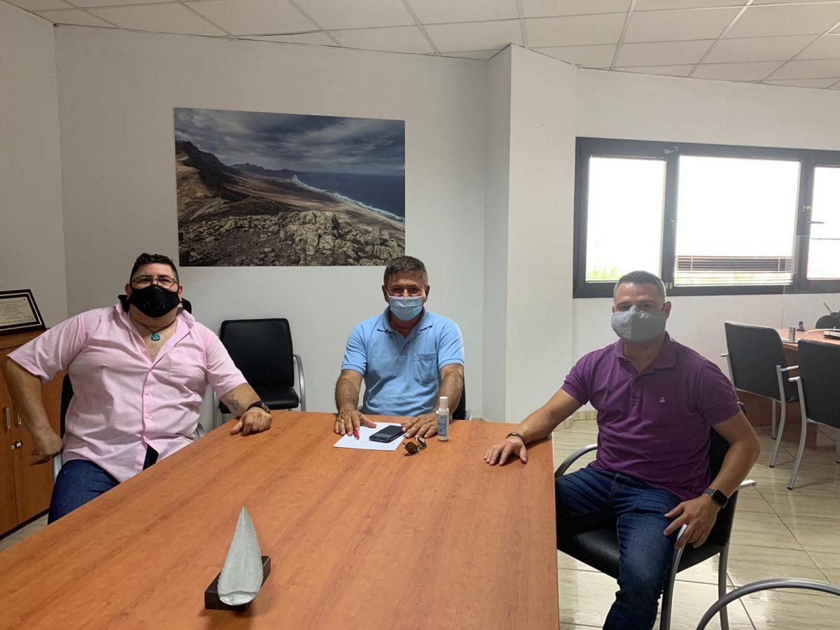 El Ayuntamiento de Pájara atiende las demandas de los vecinos de la Urbanización Esquinzo