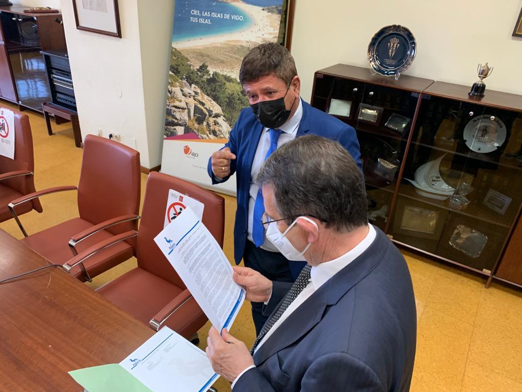 El alcalde de Pájara traslada al presidente de la FEMP una moción para que empresas con deudas en la Seguridad Social puedan acceder a ayudas públicas