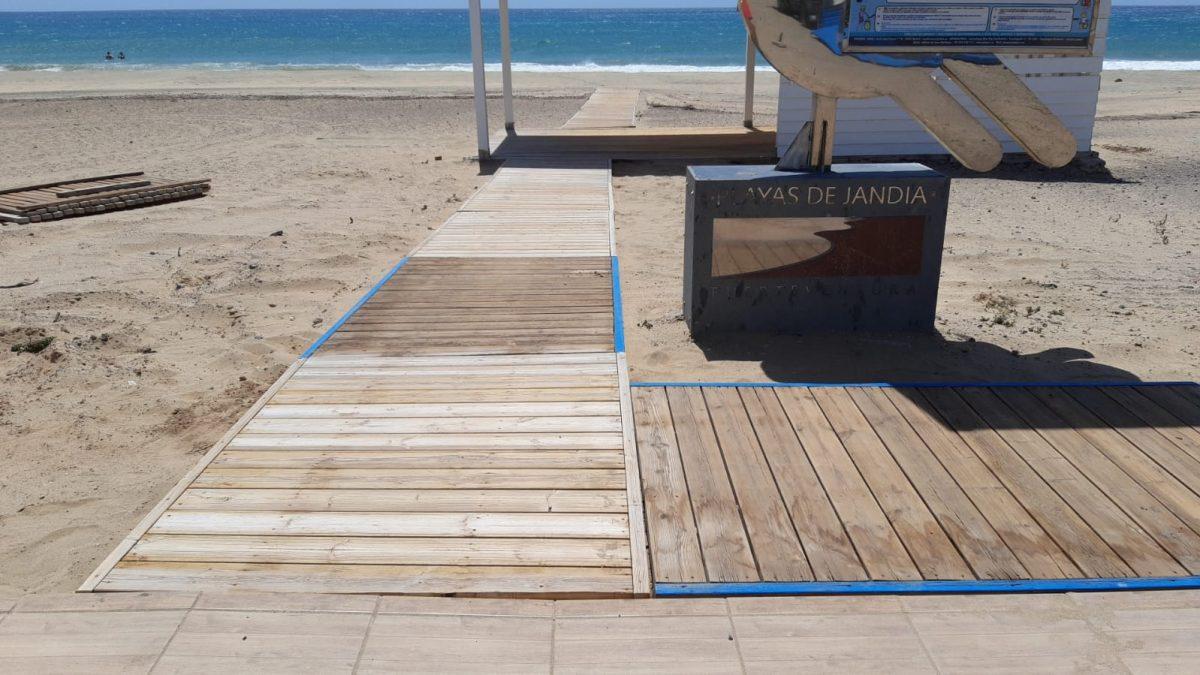 Pájara mejora la seguridad y accesibilidad de las playas distinguidas con la Bandera Azul