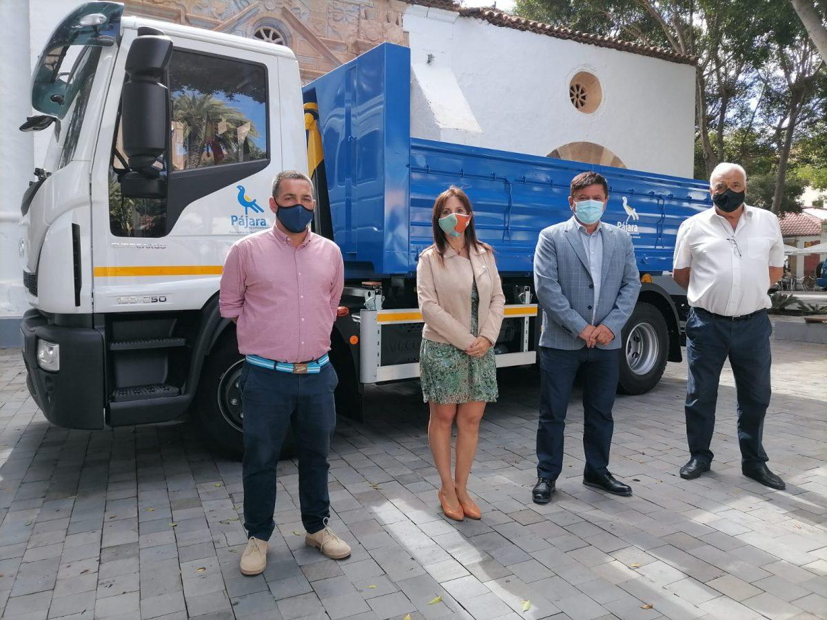 Pájara adquiere un nuevo camión para mejorar los servicios de mantenimiento y limpieza del municipio