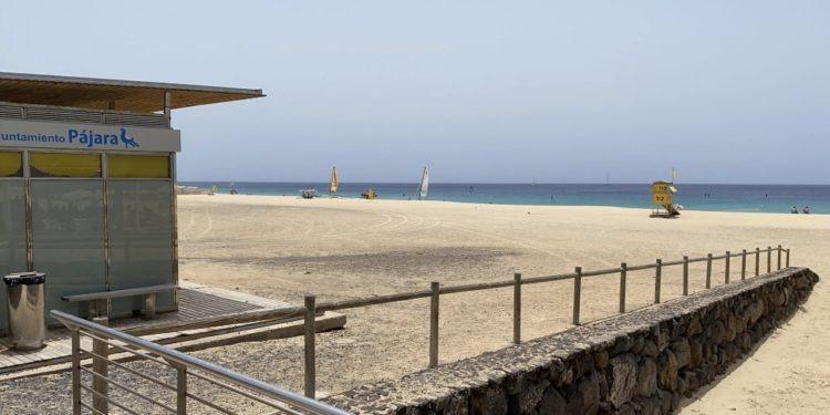 Los análisis del agua ratifican la seguridad de la Playa de Morro Jable que permanece abierta