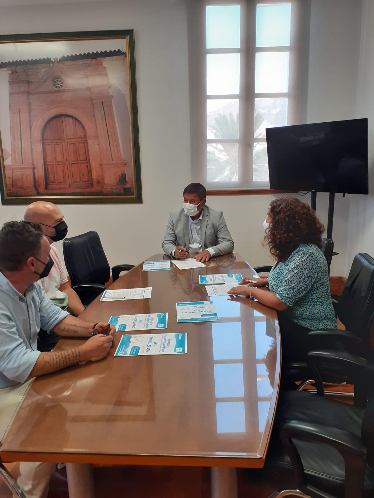 Pájara colabora con Radio ECCA para proporcionar a la ciudadanía la titulación oficial de ESO y Bachillerato